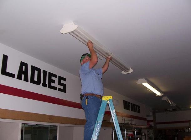 technician w/ceiling lighting